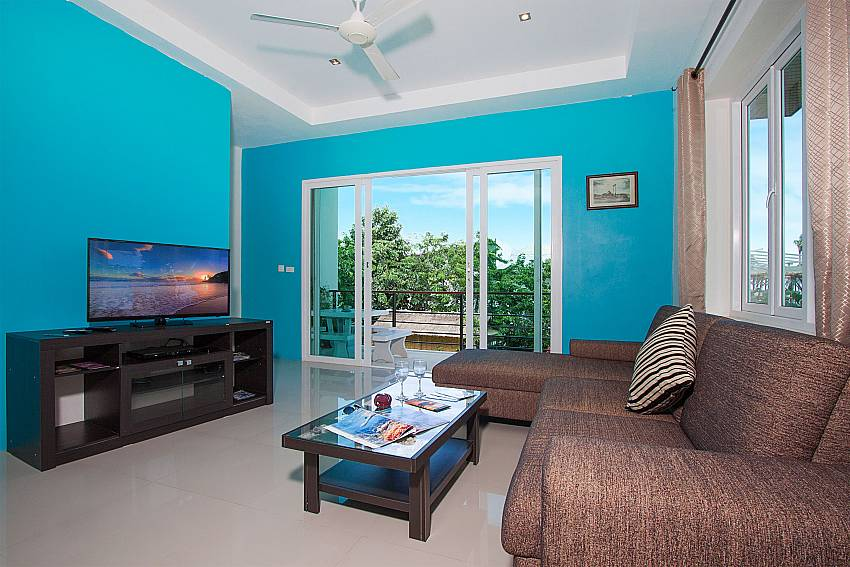 Living room with TV Villa Janani 202 in Samui