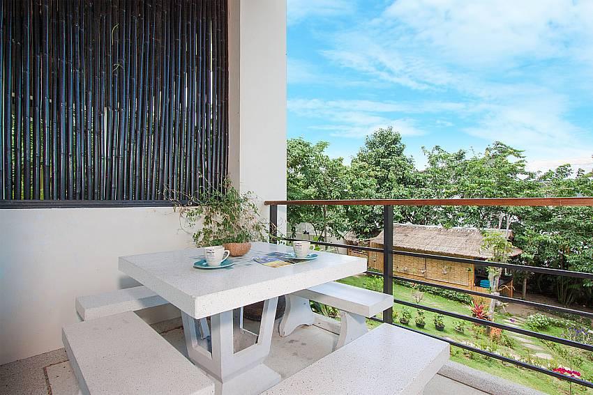 Seat and table Villa Janani 202 in Samui
