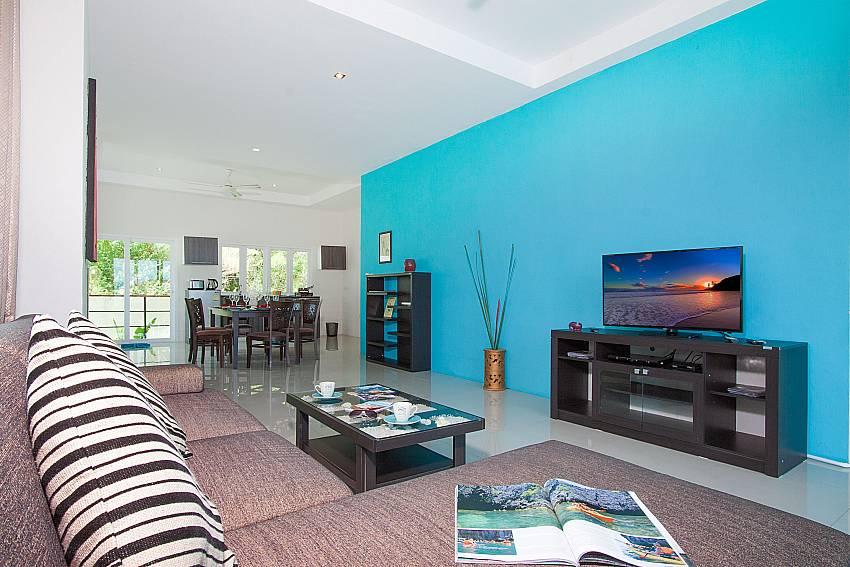 Living room with TV Villa Janani 302 in Samui