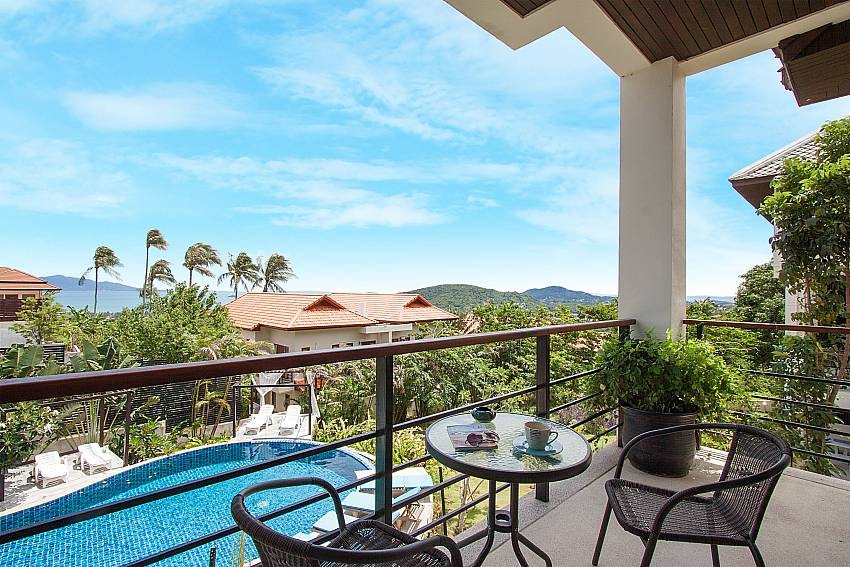 Balcony with seat and table Villa Janani 302 in Samui