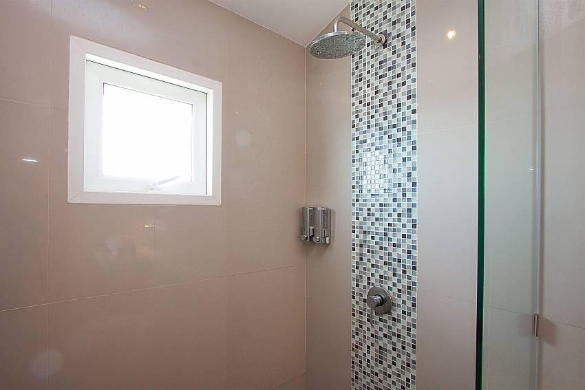 Shower Villa Janani 302 in Samui
