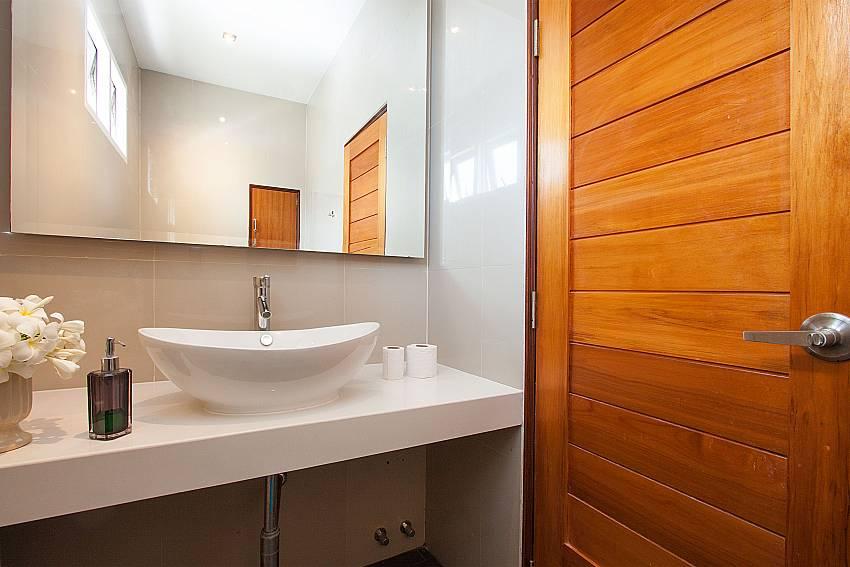 Bathroom Villa Janani 302 in Samui