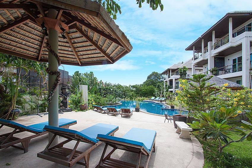 Sun bed near swimming pool Villa Janani 302 in Samui