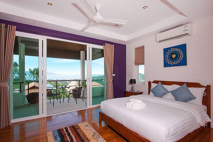 Bedroom with balcony Villa Janani 304 in Samui