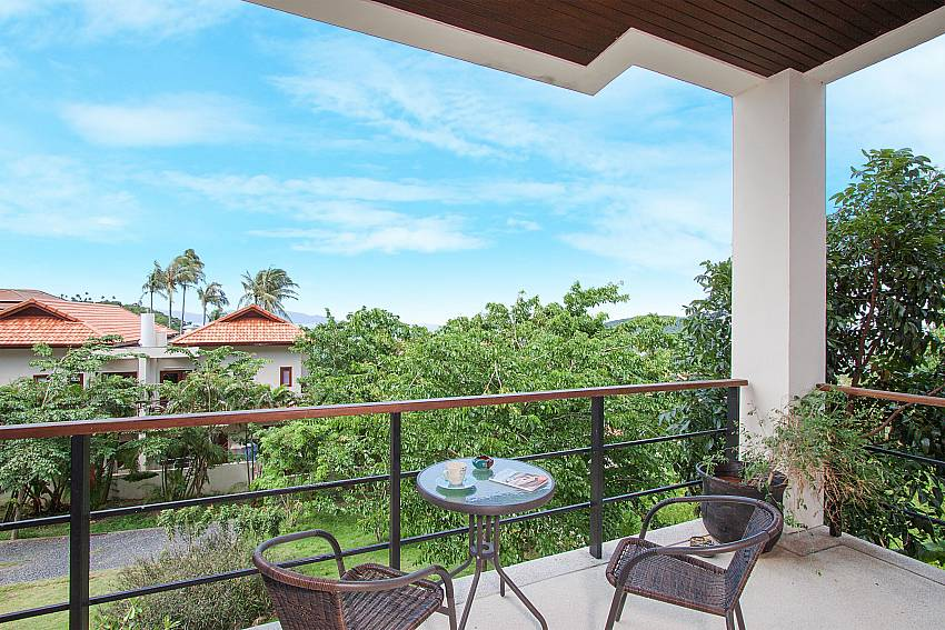 Balcony with seat and table Villa Janani 304 in Samui