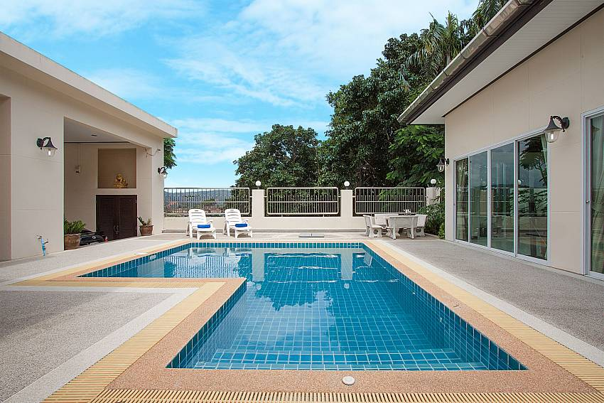 Swimming pool Villa Aruma in Phuket