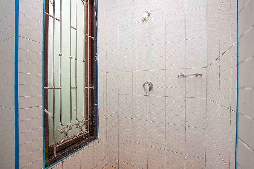 Shower Villa Aruma in Phuket