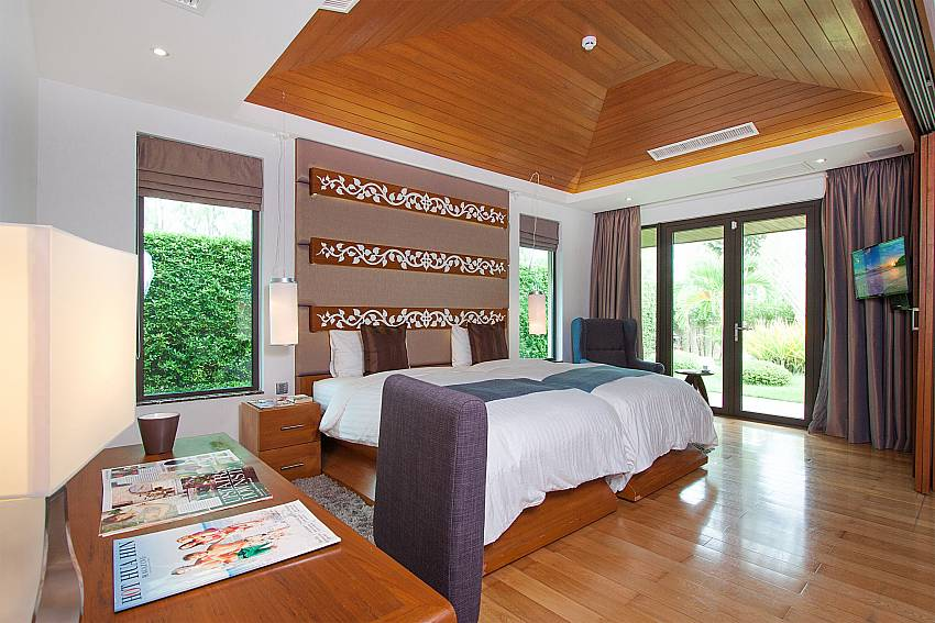 Bedroom with TV Villa Qualitas in Hua Hin
