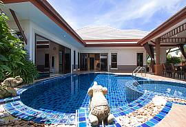 Thammachat Victoria II – 时尚的Huay Yai 泳池别墅