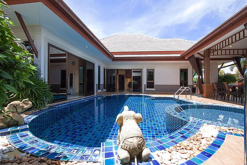 3 bedroom villa Thammachat Victoria II_Pattaya_Thailand