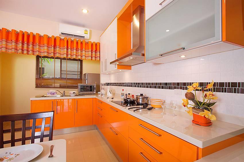Modern kitchen at Thammachat Victoria II_Huay Yai_Pattaya_Thailand