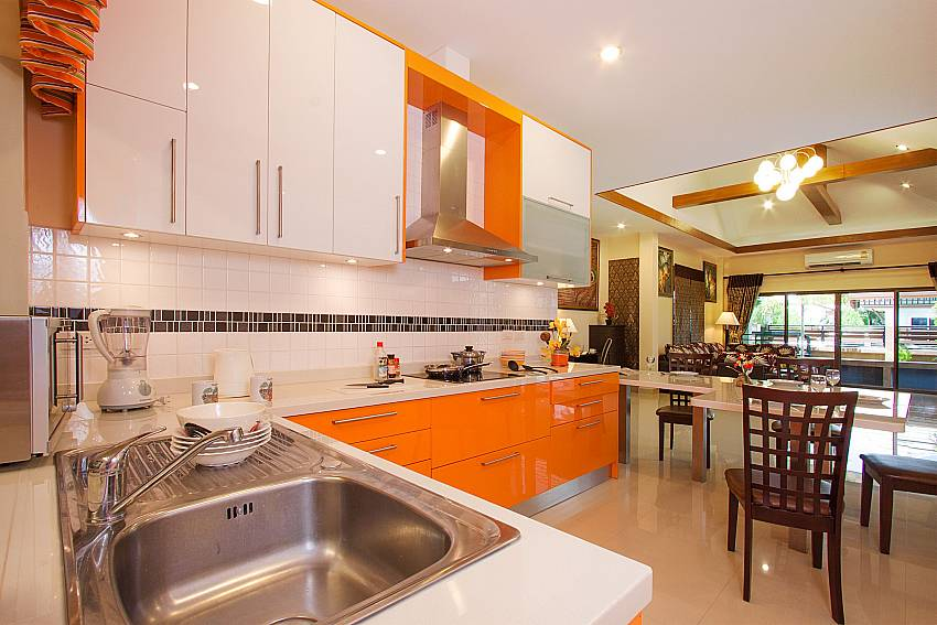 Kitchen at Thammachat Victoria II_Pattaya_Thailand