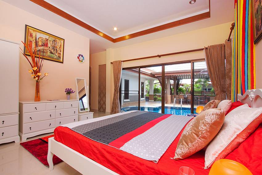 1. double bedroom with pool access at Thammachat Victoria II_Pattaya_Thailand