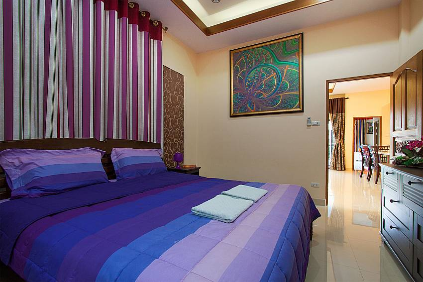 3. bedroom with double bed Thammachat Victoria II_Huay Yai_Pattaya_Thailand