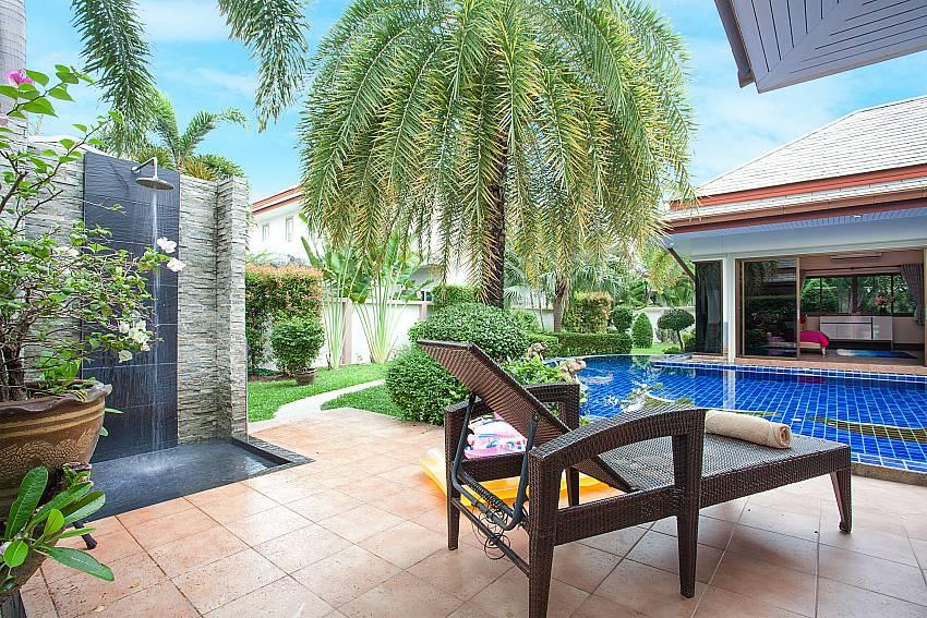 shower at pool areaThammachat Madonna Villa_Huay Yai_Pattaya_Thailand