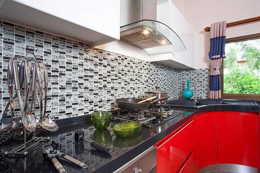 modern style kitchen-Thammachat Madonna Villa_Huay Yai_Pattaya_Thailand