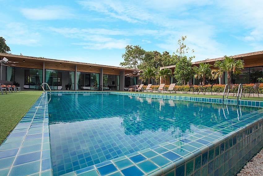 Huge cool pool-Stargaze Resort_Jomtien_Pattaya_Thailand