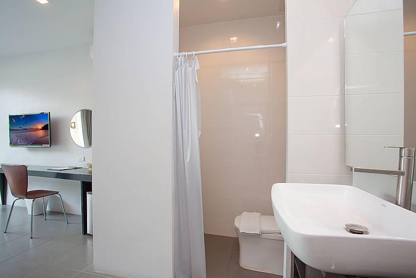 Single bedroom en-suite bath-Stargaze Resort_Jomtien_Pattaya_Thailand