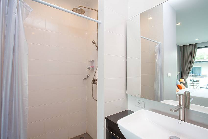 Ensuite bathroom of double dedroom-Stargaze Resort_Jomtien_Pattaya_Thailand