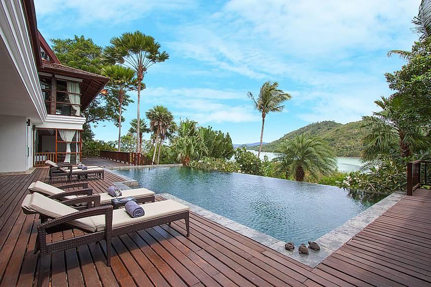 Infinity Pool with sea view-Amaroo Villa_Laem Sor_Samui_Thailand