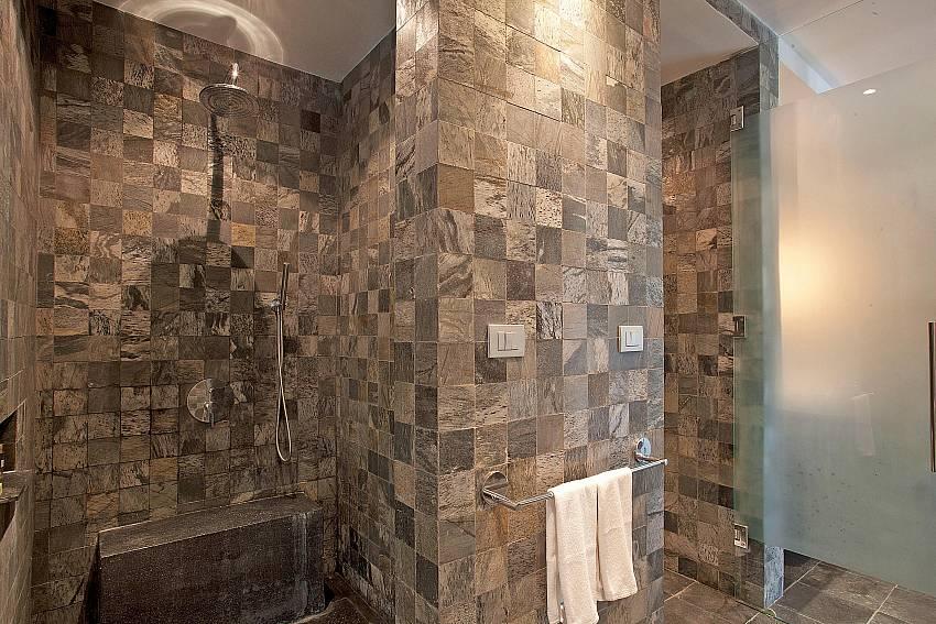 2. en suite bathroom-Amaroo Villa_Pangka beach_Samui_Thailand
