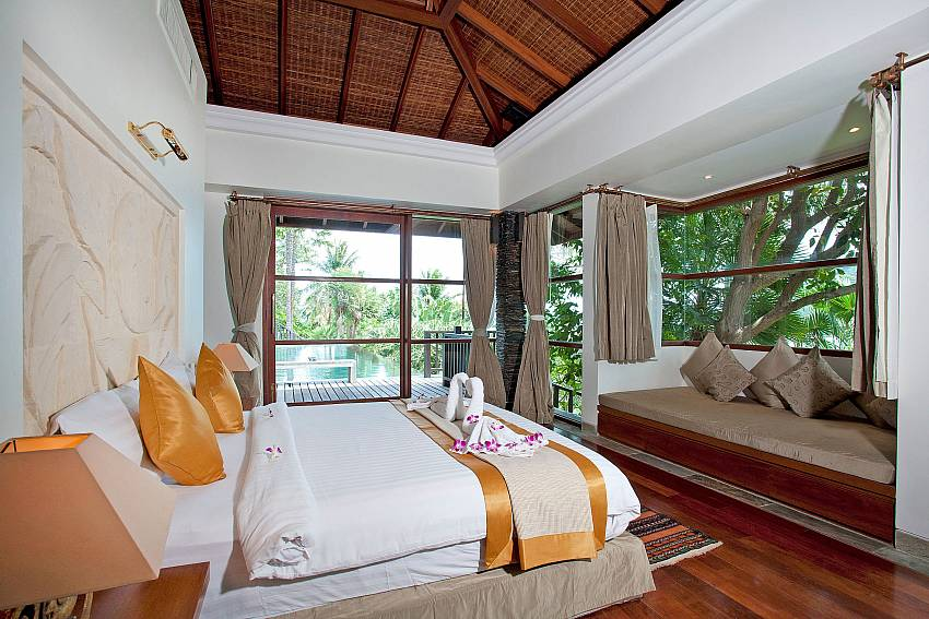 1. bedroom with king size bed and view-Amaroo Villa_Laem Sor_Samui_Thailand