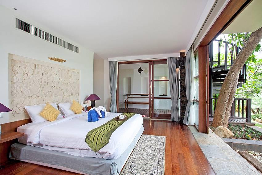 2. king size bedroom-Amaroo Villa_Pangka beach_Samui_Thailand