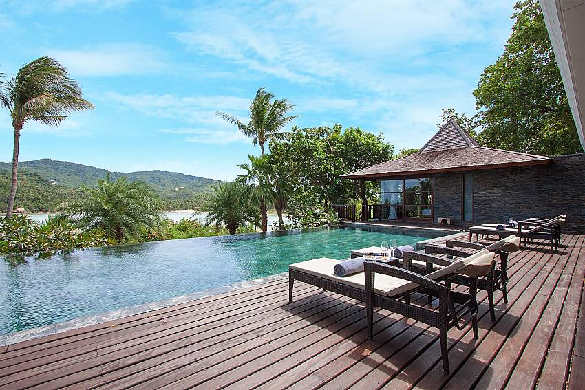 great pool deck with sea view-Amaroo Villa_Pangka beach_Samui_Thailand