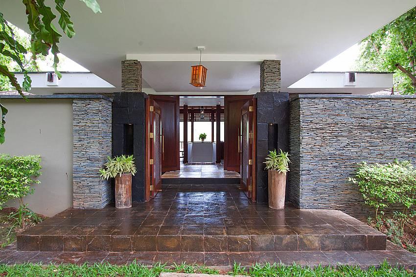 entrance to paradise at-Amaroo Villa_Laem Sor_Koh Samui_Thailand
