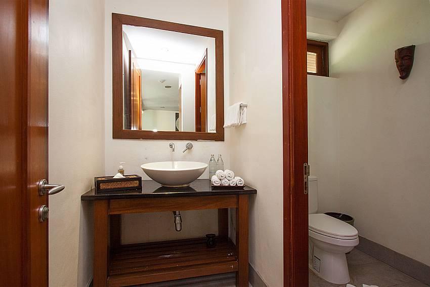 Guest toilet at-Villa Alkira_Lipa Noi_Koh Samui_Thailand