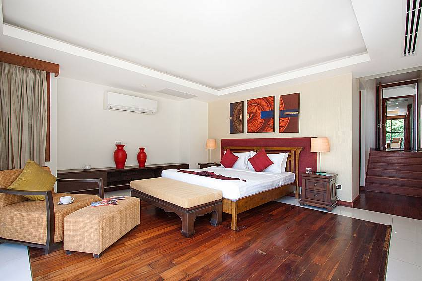 bedroom with sitting area at-Villa Alkira_Lipa Noi_Samui_Thailand
