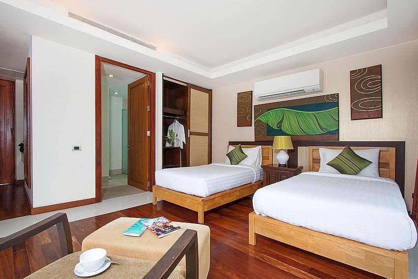 2 single beds with en-suite bath-Villa Alkira_Lipa Noi_Samui_Thailand