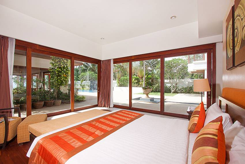 5. king size bedroom direct garden access-Villa Alkira_Lipa Noi_Samui_Thailand
