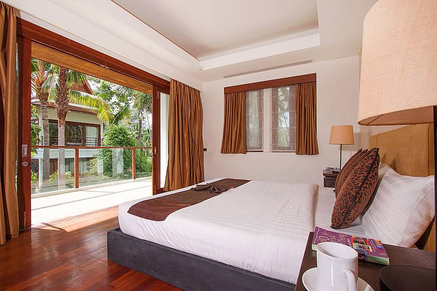 6. double bedroom with garden access at -Villa Alkira_Lipa Noi_Samui_Thailand