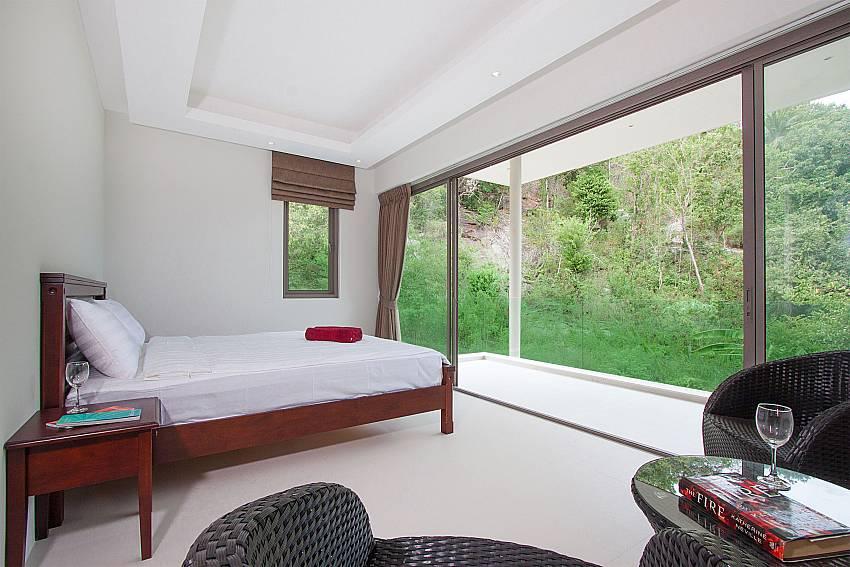 2. en-suite bath at-Triumph Villa B_Maenam_Koh Samui_Thailand