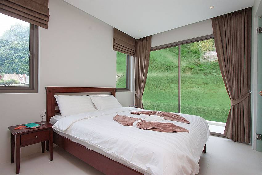 1. bedroom with king size bed and view-Triumph Villa B_Maenam_Samui_Thailand