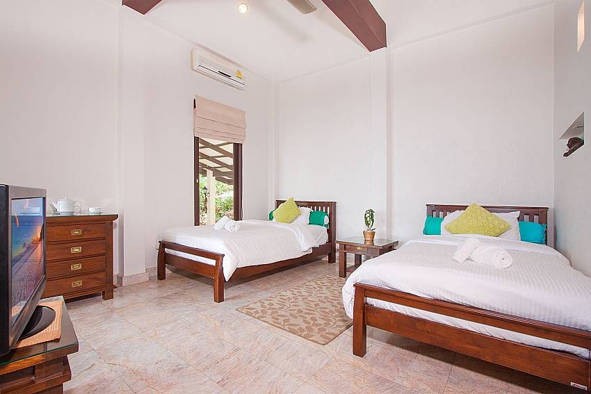 4. bedroom with single beds-Villa Werona_Bang Por_Samui_Thailand