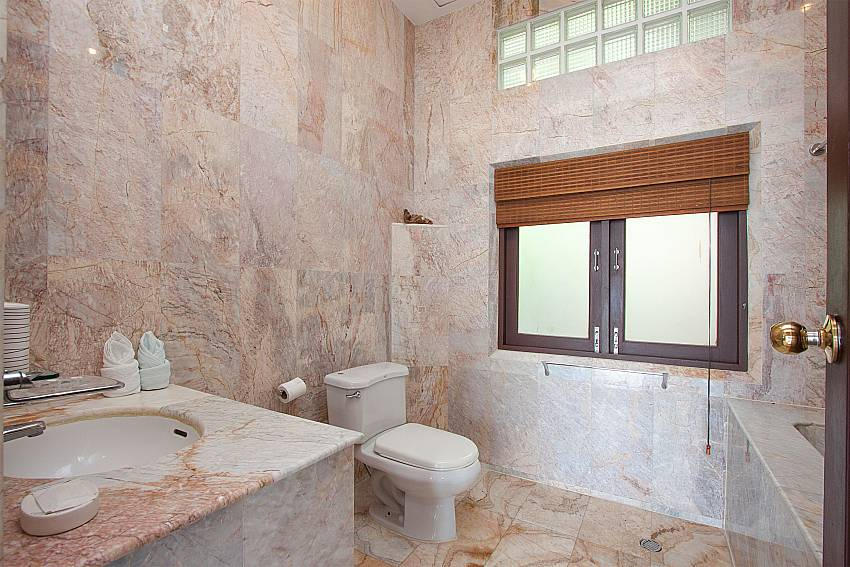 2. bathroom in-Villa Werona_Bang Por_Samui_Thailand