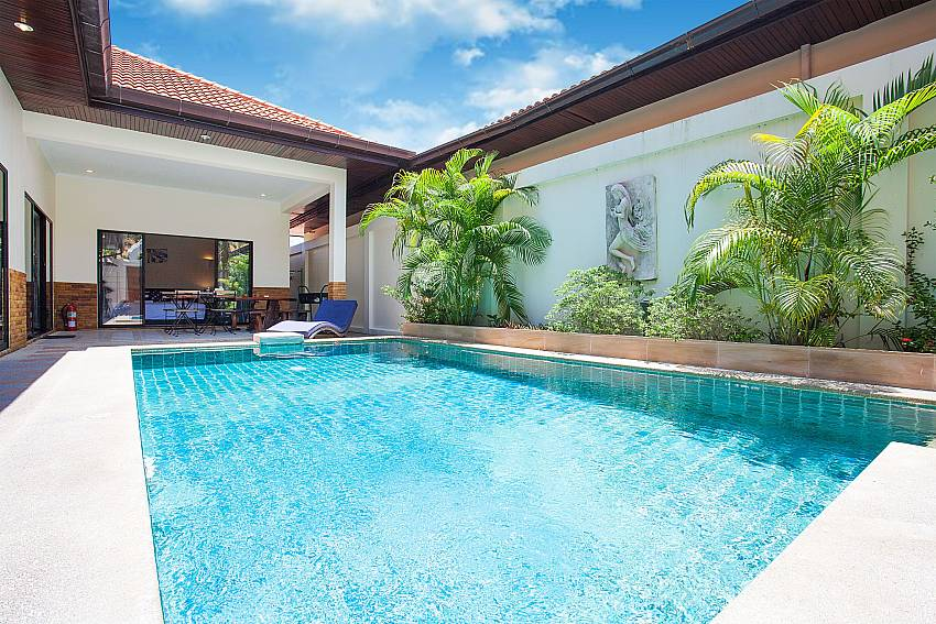 Private Pool at Villa Majestic 40 Pratumnak Pattaya Thailand