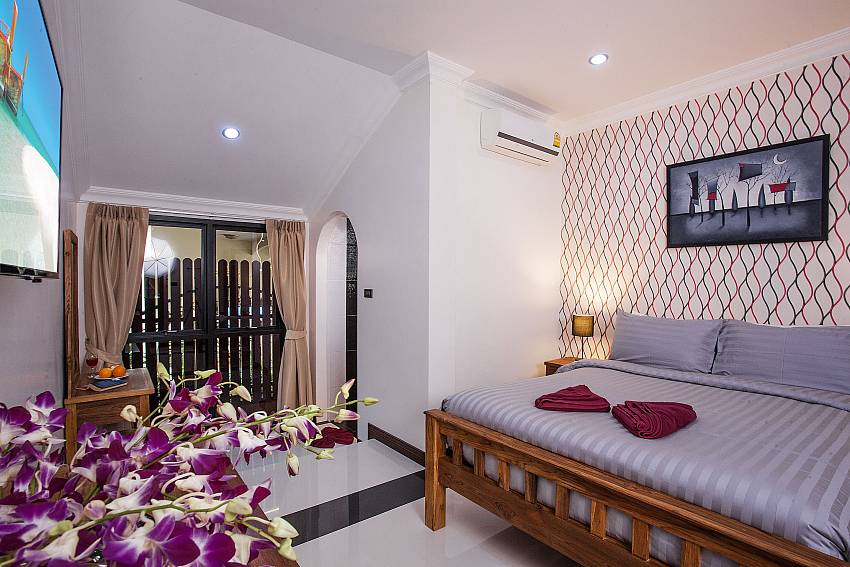 First bedroom Of Baan Chatmanee