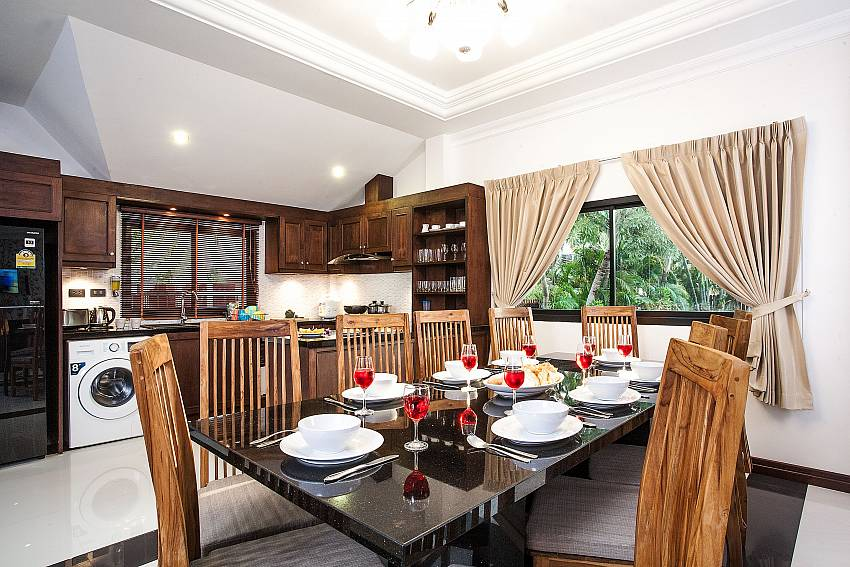 Dining area Of Baan Chatmanee
