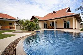 4Br Pool Villa With Large Garden on Private Estate in Nong Pla Lai, North Pattaya
