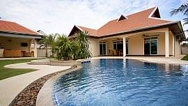 The Chase 10 Large 4Br Pool Villa With Spacious Garden On Private Estate Near Pattaya