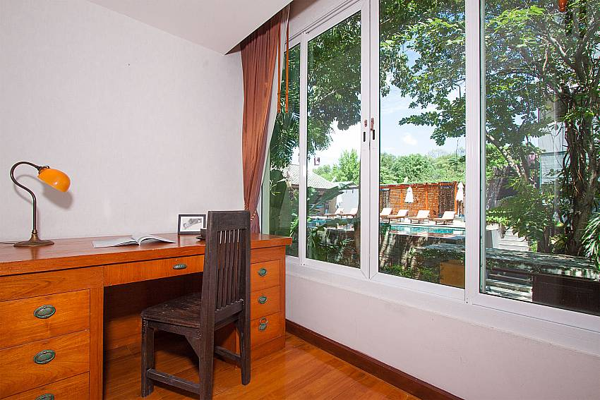 Seat and table Villa Baylea 401 at Chaweng in Samui