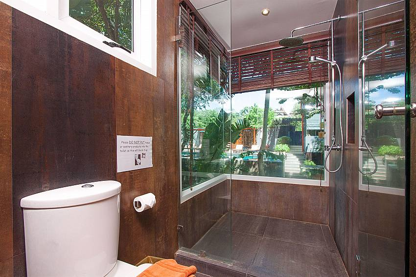 Bathroom with shower Villa Baylea 401 at Chaweng in Samui