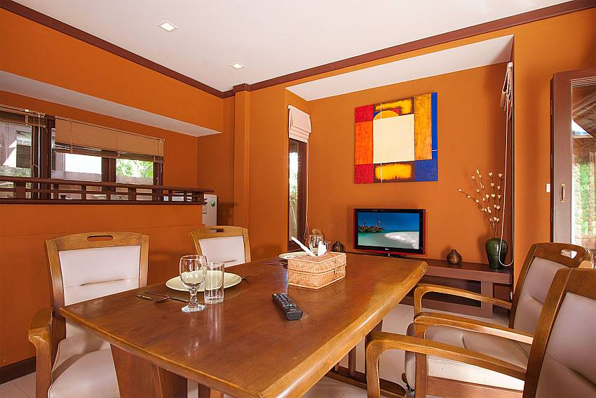 Dinning area with TV Villa Baylea 101 in Chaweng Samui