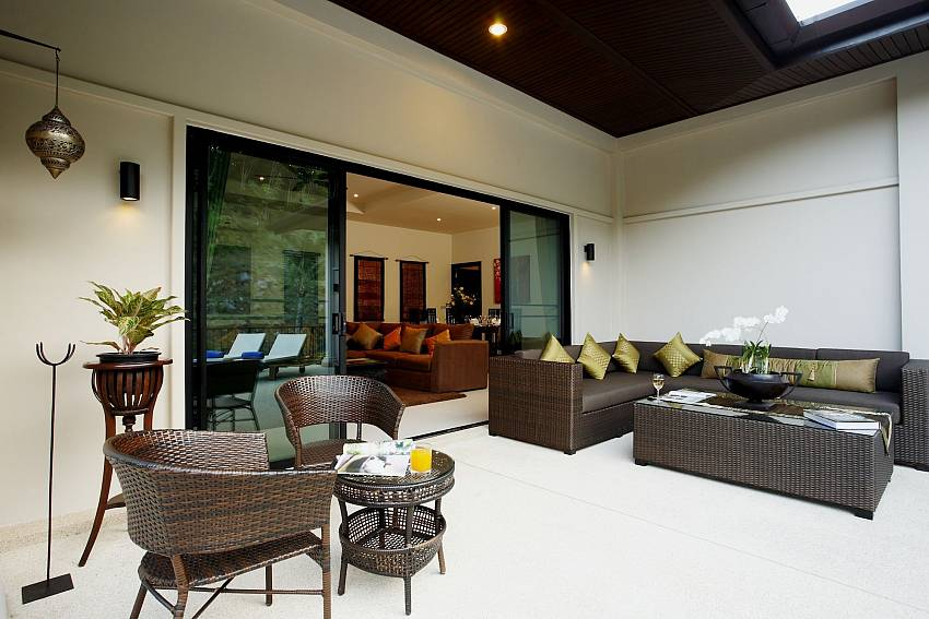 Luxury sitting in- and outdoor at Phailin Talay in Phuket