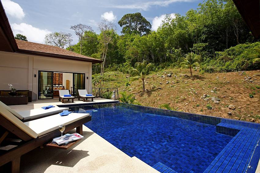 Privacy at the Phailin Talay pool deck in South Phuket