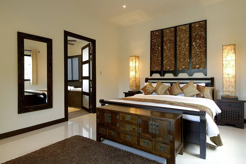 King size bed at the master bedroom of Phailin Talay in Phuket