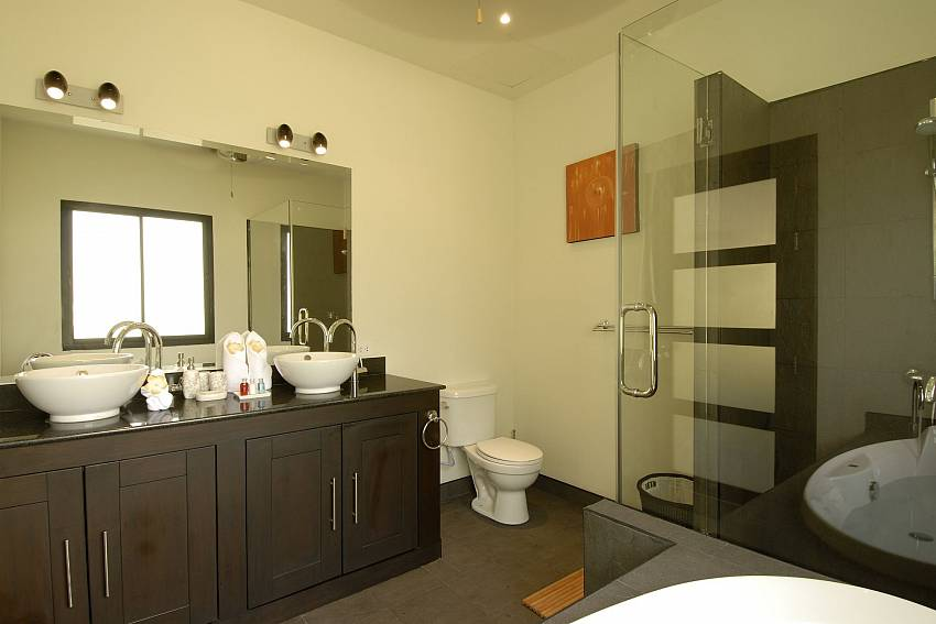 Modern bathroom at Phailin Talay in Nai Harn South Phuket